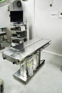 Centro di Biotecnologie Tavolo Chirurgico